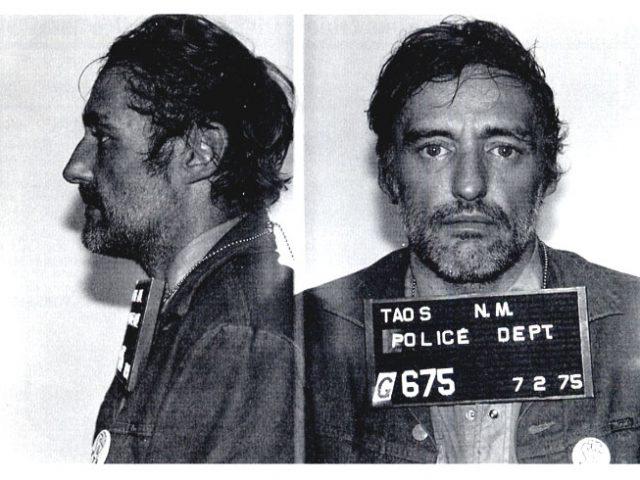 デニス・ホッパー 麻薬、飲酒で逮捕