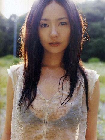 女優・中村ゆり ここまで見せてた!ブレイク前の手ぶらセミヌード&ドラマで披露した着衣巨乳