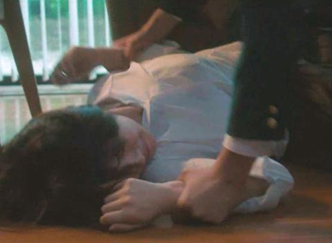 浜辺美波『君の膵臓をたべたい』での壮絶レイプシーン 清純派女優が押さえつけられ号泣