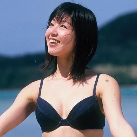 元グラドル石川佳奈さん16歳当時の水着グラビアをタイで発掘w20年ぶりに甦った画像がコチラ