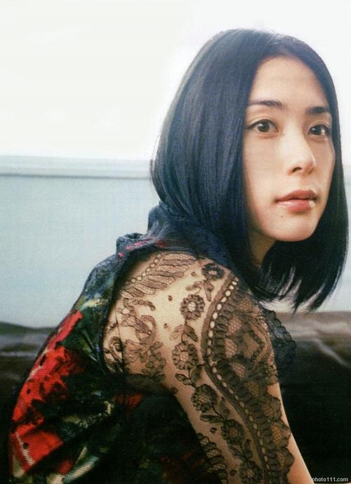 深津絵里アイドル時代のモッコリ恥丘スク水グラビア&乳首丸出しヌード画像