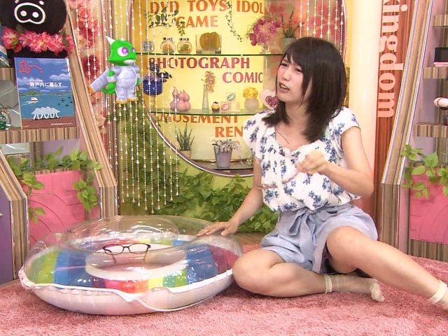 テレビ見てたら不意のパンチラハプニングwタレント・女子アナの御開帳エロ画像Vol.3