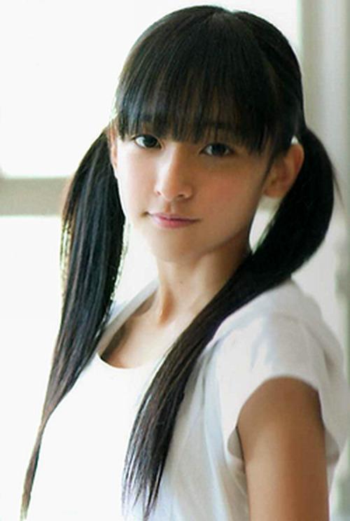 大麻で逮捕された谷口愛理 黒髪美少女のHKT時代(12)からグラビア復帰、現在のキャバ嬢(21)まで